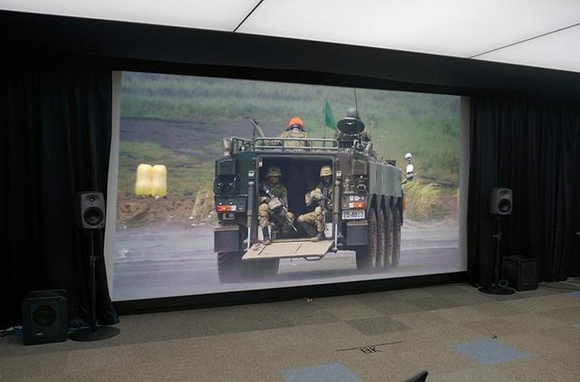 画像: アストロデザイン本社に設置された8Kスクリーン。緻密で、かつ明るい映像が再現されていた