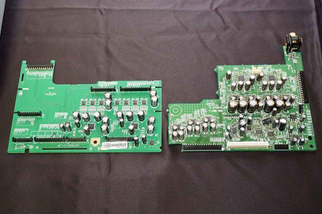 画像: ▲両機に搭載されたDAC基板。左がX4500H、右がX6500H