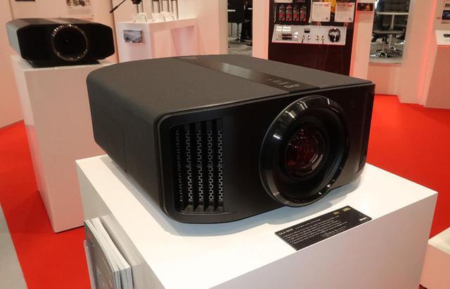 画像: e-shift・8Kの「DLA-NX9B」