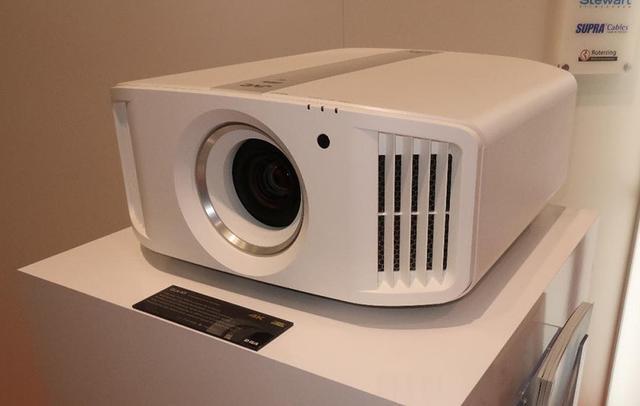 画像: 新4Kデバイス搭載の「DLA-N7B」