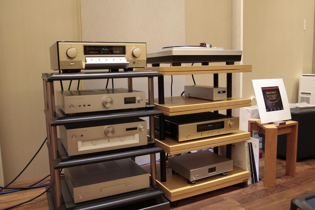 画像: オーディオラックに収まるリファレンス・システム
