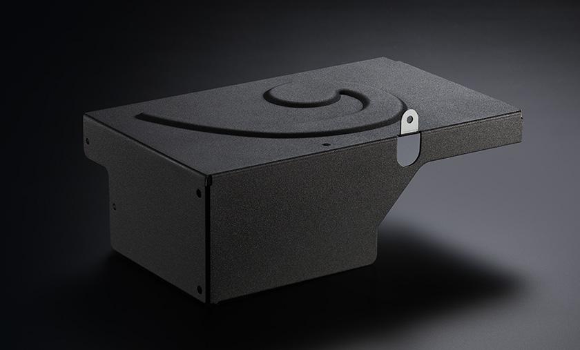 Images : 「へ音」記号の付いた電源回路のカバー