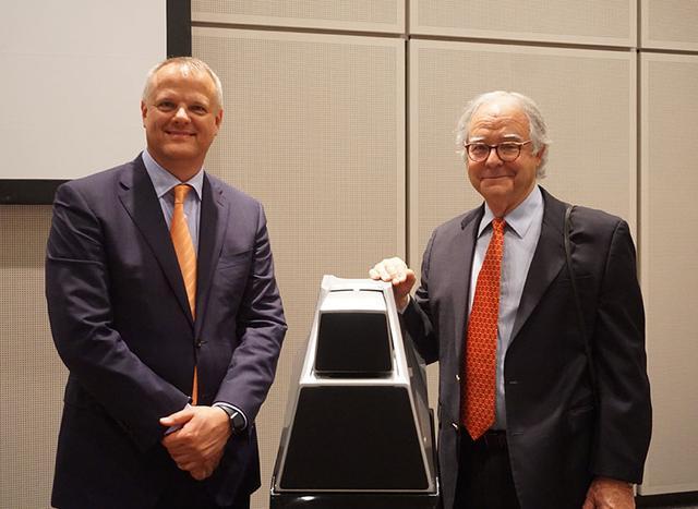 画像: トレント・ワークマン氏(左)とピーター・マクグラフ氏(右)