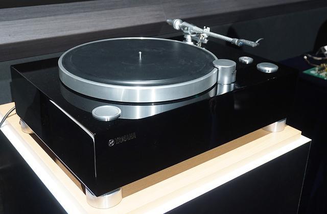 画像: ▲GT-5000のピアノブラック仕上げ。こちらは2019年夏に限定発売予定(詳細は後日)