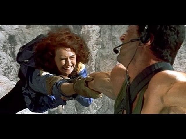 画像: Official Trailer: Cliffhanger (1993) www.youtube.com