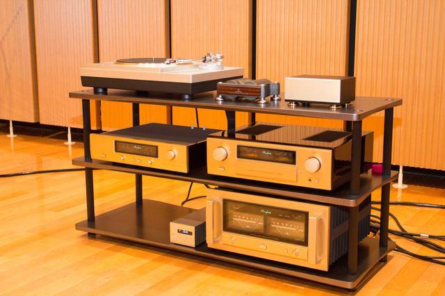 画像: 関係者向け試聴会では、2006年発売のAT5000Tと新製品AT-SUT1000を比較試聴