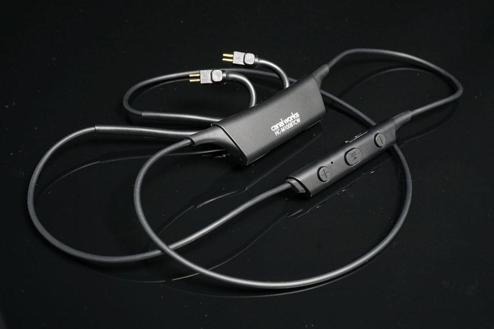画像: ▲カスタム2ピン仕様のIEMをワイヤレス化可能なBluetoothレシーバー「HC-M100BTCW」
