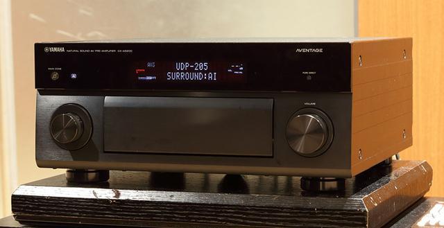 画像: コントロールAVセンターのCX-A5200。映画ソースはもちろん、2ch再生でも情報量の違う音を聴かせてくれた