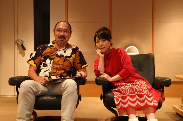 画像: ステレオサウンド試聴室で行なわれた取材のようす。亜美さんの口からは、レコーディング当時の様子が次々とこぼれ出した