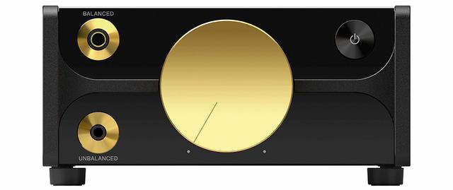 画像: ヘッドホン出力端子は、3.5mmステレオミニ端子と2.5mm4極バランス端子を装備。背面側には、データ転送やUSB DAC機能で使うUSBタイプC端子を配備している