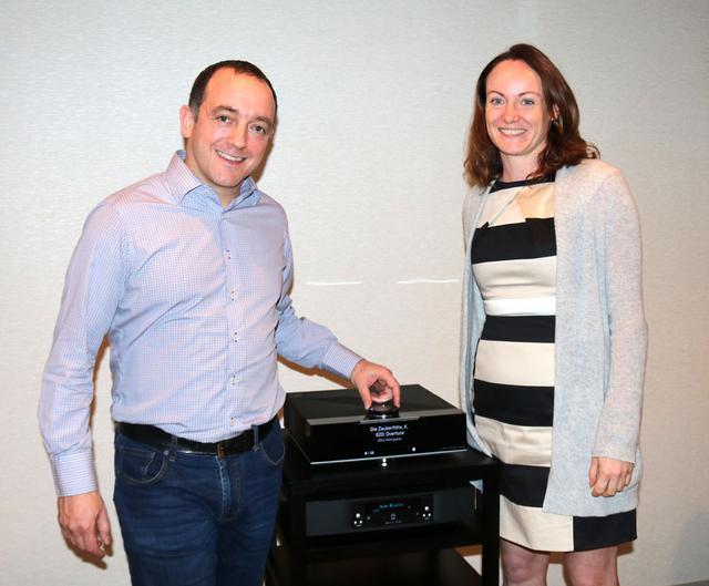 画像: ▲リン・プロダクツの代表ギラード・ティーフェンブルン氏(左)と、セールス担当のジェーン・キャシディ氏