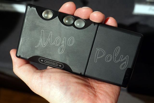 画像: Chord、DAC内蔵ポタアンMojo用追加モジュール「Poly」と、DAC内蔵ヘッドホンアンプ「Hugo 2」を発表 | Stereo Sound ONLINE