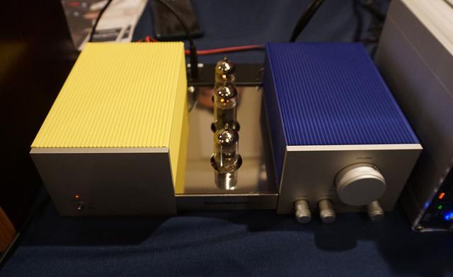 画像: SOUND WARRIOR サウンドウォーリヤーでは、リビングでも使える真空管プリメインアンプを参考展示。女性にも喜んでもらえるようケースの色を選べるようにする予定とか