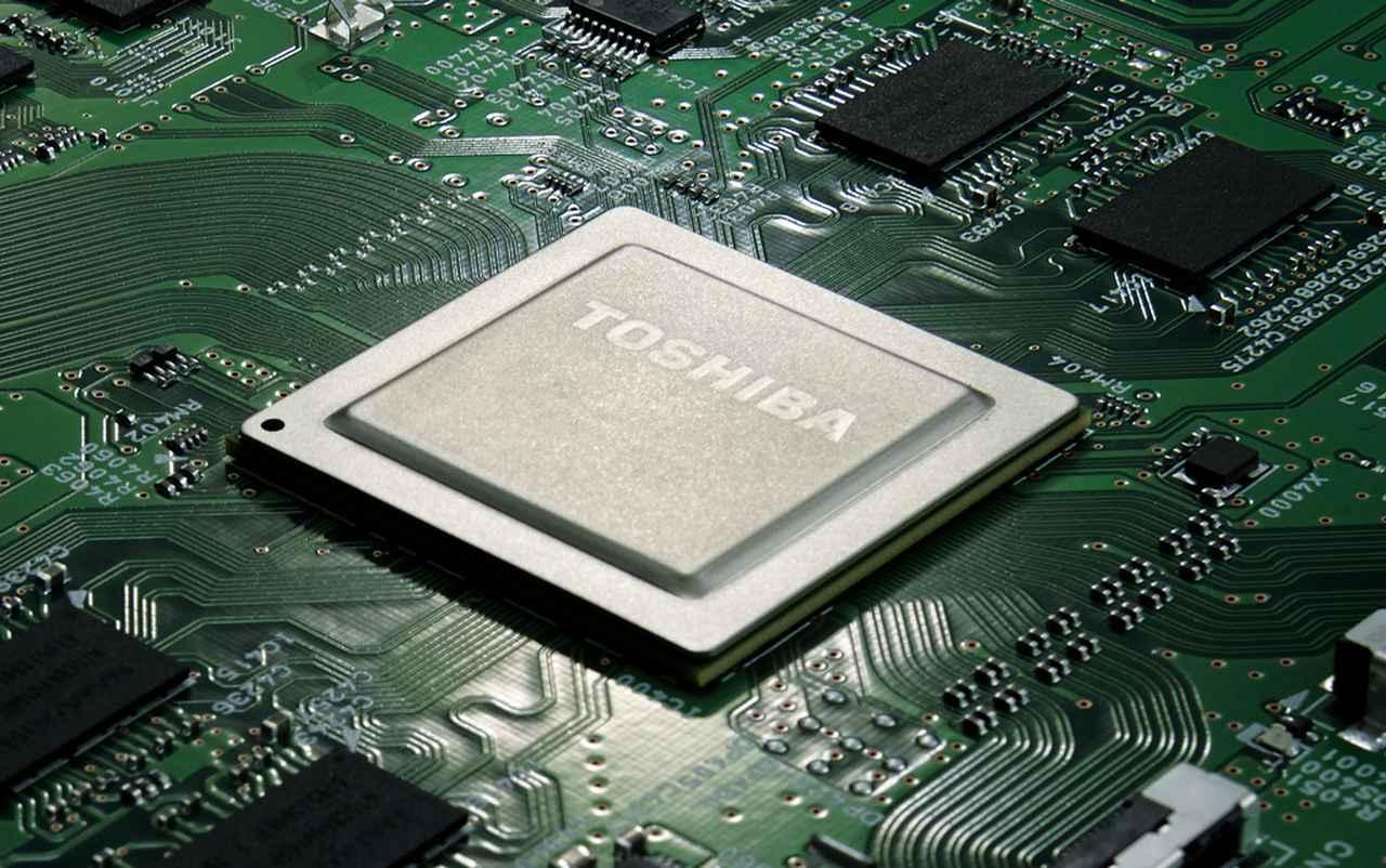 画像: 映像エンジンには「レグザエンジン Evolution PRO」を搭載。この回路は有機ELテレビX920シリーズ用に開発されたもので、今回はその能力を活かして高精細な4K映像を生み出している