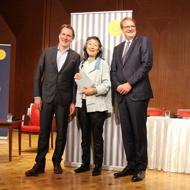 画像: 左からベルリン・フィル・ソロ・チェロ奏者/メディア代表オラフ・マニンガー氏、内田氏、ベルリン・フィル・メディア取締役ローベルト・ツィンマーマン氏。