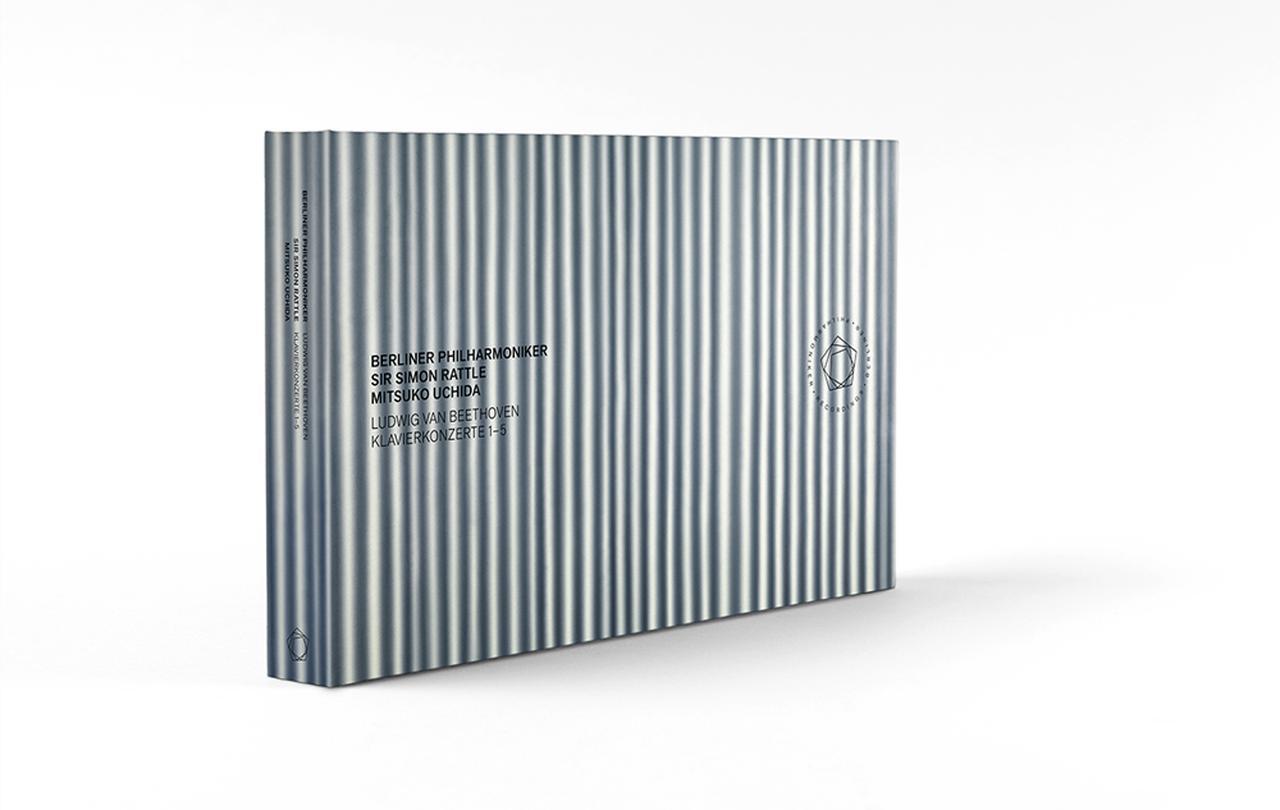 画像: 『ベートーヴェン:ピアノ協奏曲全集』 ベルリン・フィルハーモニー管弦楽団、サー・サイモン・ラトル(指揮)、内田光子(ピアノ) 3CD+2Blu-ray(キングインターナショナルKKC 9372/6)直輸入盤、帯・解説付き ¥10,000+税