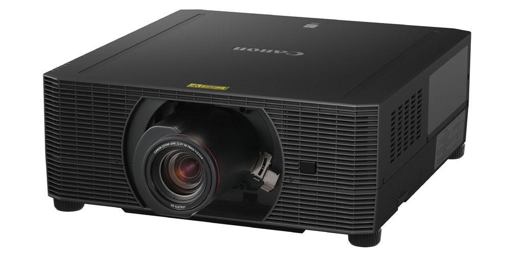 画像: ▲ネイティブ4Kパネルを搭載する「4K6020Z/4K5020Z」。写真はオプションの交換用レンズ「RS-SL07RST」を装着した状態