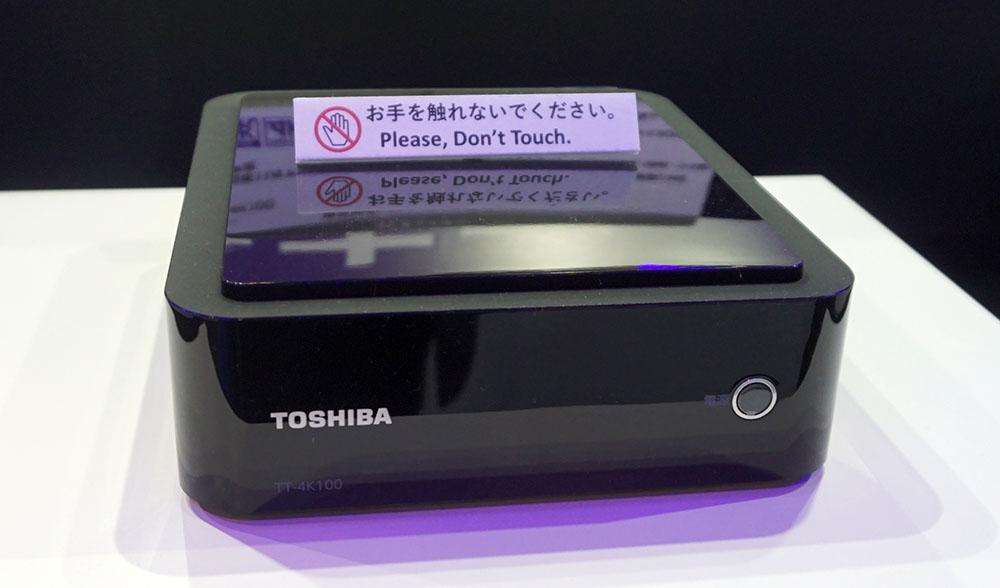画像: 東芝TT-4K100 市場想定価格4万円前後 ●アンテナ入力:BS/110度CSデジタル×1、地上デジタル×1 ●アンテナ出力:BS/110度CSデジタル×1、地上デジタル×1 ●HDMI出力:1系統 ●USB端子:2系統(HDD接続用は1系統) ●LAN端子:1系統