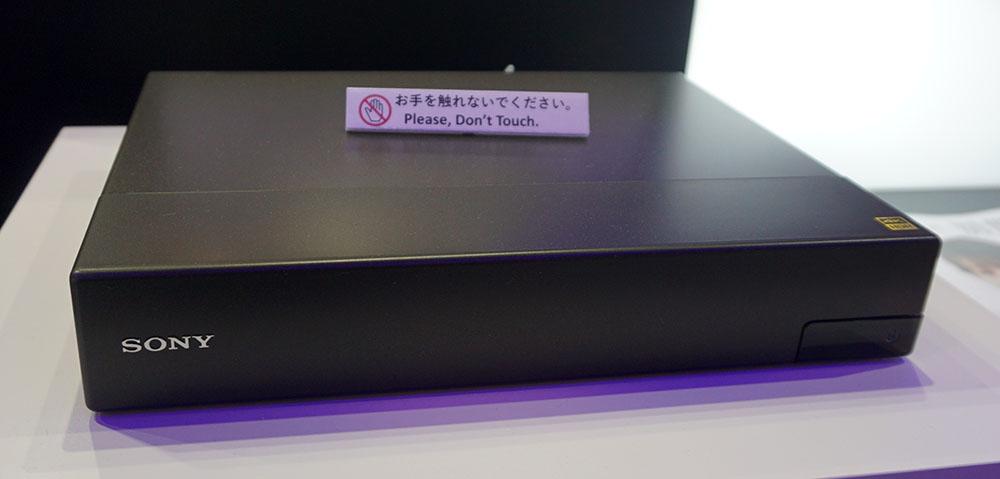 画像: ソニーDST-SHV1 市場想定価格5.5万円前後 ●アンテナ入力:BS/110度CSデジタル×1、地上デジタル×1 ●アンテナ出力:BS/110度CSデジタル×1、地上デジタル×1 ●HDMI出力:1系統 ●USB端子:2系統(HDD接続用は1系統) ●LAN端子:1系統