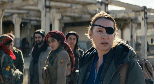画像: フランス人女性ジャーナリスト、マチルドを演じたエマニュエル・ベルコは、監督としても女優としても高い評価を得ている人物。監督作は、第68回カンヌ国際映画祭のオープニング作品に選ばれた『太陽のめざめ』(2015)など