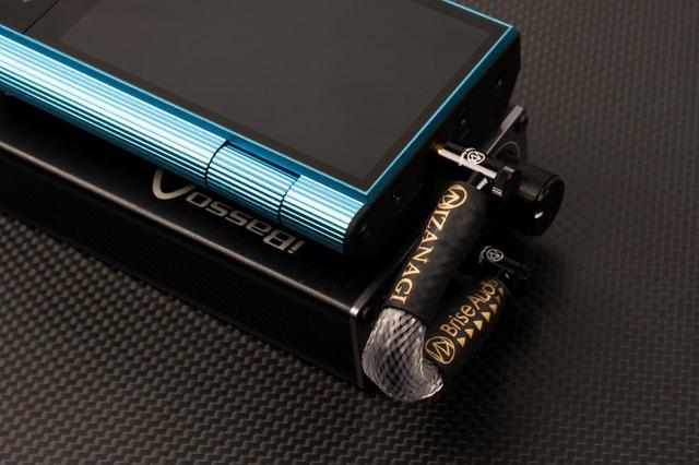 画像: Brise Audio、新素材を採用した3.5mmステレオミニ仕様の短尺ケーブル「IZANAGIミニミニケーブル」を2019年1月11日に発売