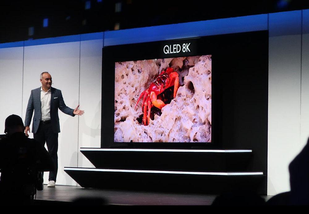 画像: サムスンエレクトロニクスの液晶8K。98インチのショーモデル