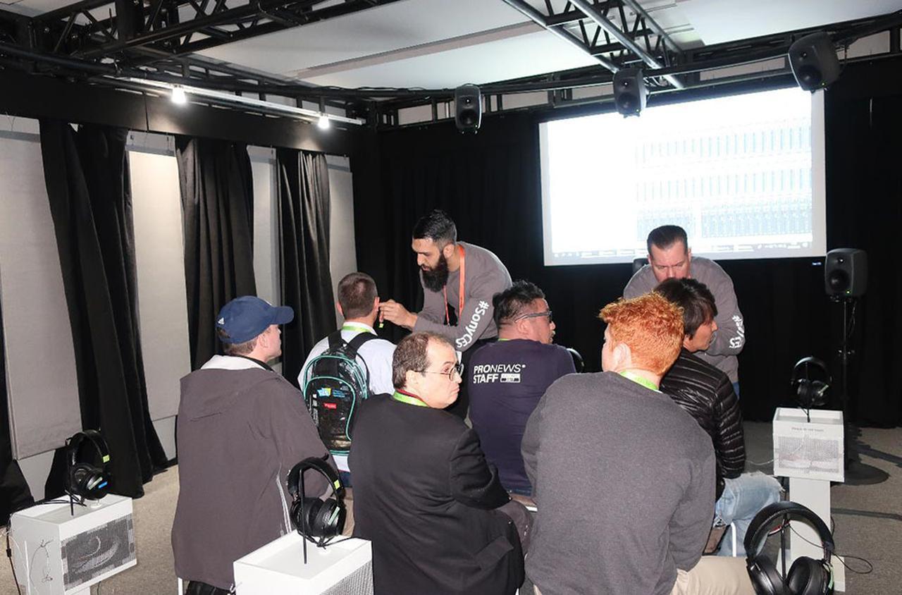 画像: ソニーブースの360 Reality Audio特設試聴室