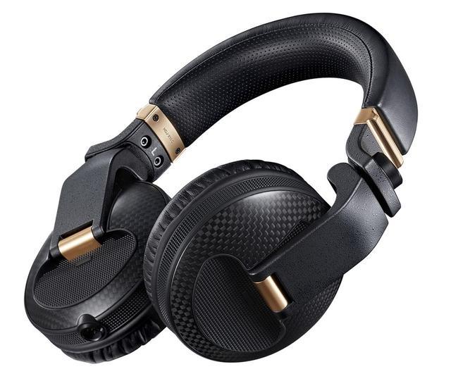 画像: Pioneer DJが、フラッグシップDJヘッドホンのプレミアムカーボンエディション「HDJ-X10C」を発売。120台限定!