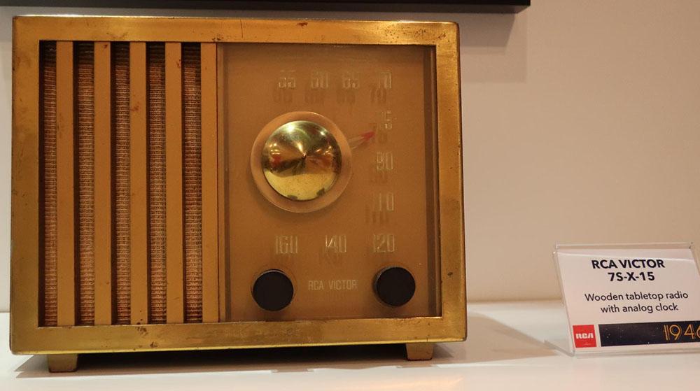 画像: RCA VICTOR「75X15」ラジオ(1947年)