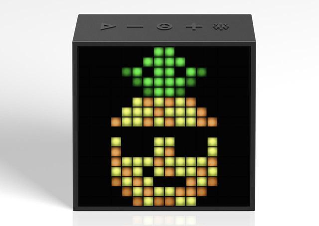 画像: ピクセルアートスピーカー「TIMEBOX-EVO」。カラーリングはブラックとレッドの2色展開