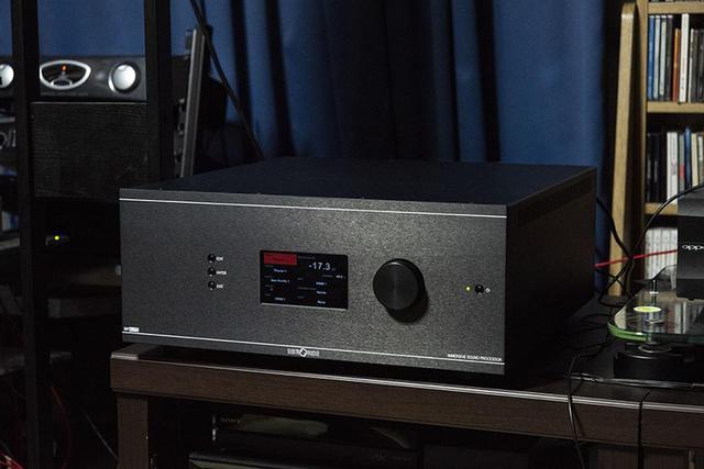 画像: ストームオーディオのAVプリ「ISP 3D.16 ELITE」を サウンドデザイナーさんのホームシアターに持ち込んでみた。 プロ機のような音場再現は、実に希有な体験だ(前) - Stereo Sound ONLINE