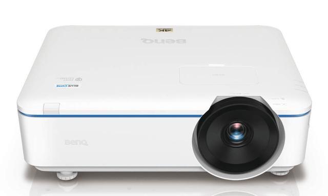 画像: 4Kのビジネス用DLPプロジェクター「LK952」。1月29日の発売で、価格は50万円前後