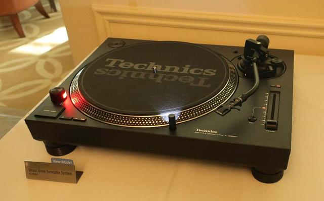 """画像: 【麻倉怜士のCES2019レポート19】「SL-1200MK7」「SL-1500C」は""""賢い"""" ターンテーブルです。テクニクス担当者が熱く語る - Stereo Sound ONLINE"""