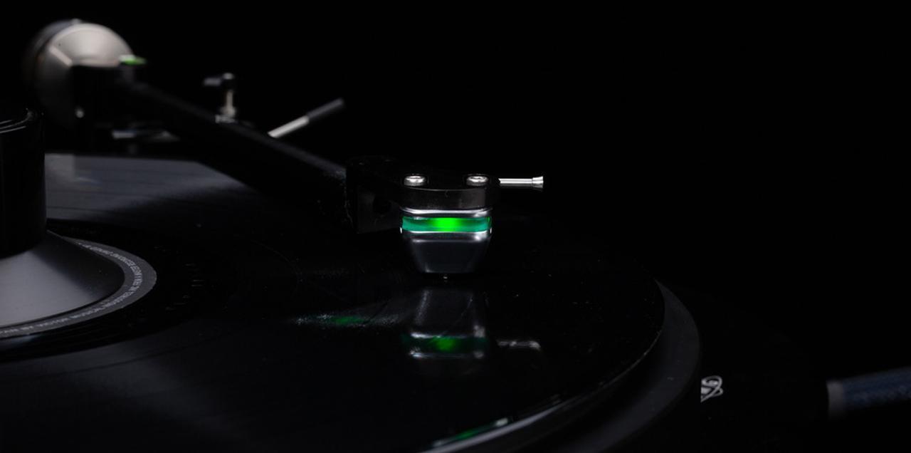 画像: DS Audio、光カートリッジのエントリーモデル「DS-E1」、ヘッドシェル「HS-001 Solid Head Shell」を1月28日に発売 - Stereo Sound ONLINE