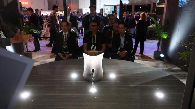 画像: CES会場に展示されていた一体型の360 Realityu Audioシステム