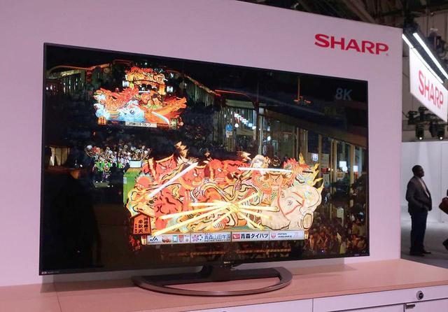 画像: CESで展示されていた、シャープの80型8K液晶テレビ