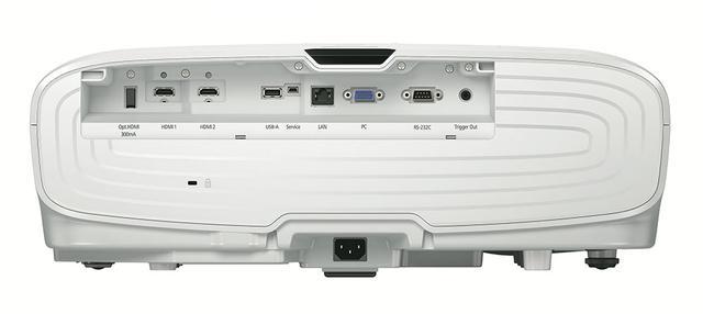 画像: リアパネルの端子配列はTW8300と同じだが、HDMIは2系統とも4K/60p/18Gbps対応となった