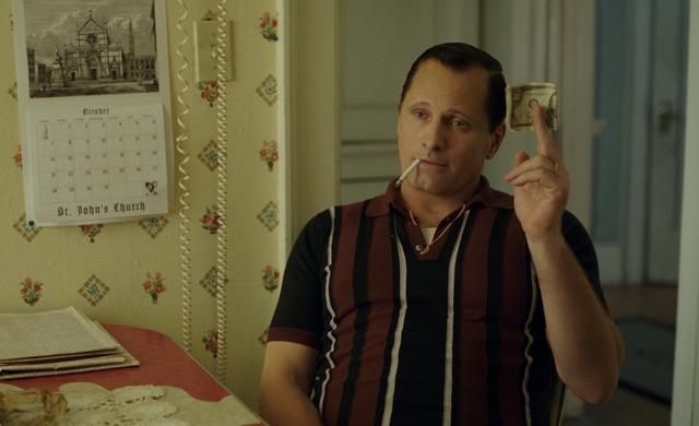 画像: トニーはイタリア系移民だが、演じるヴィゴはデンマーク系。意外なキャスティングのようで、ばっちりはまっている