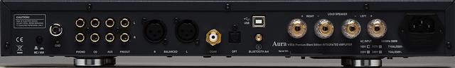 画像: vita Premium Black Edition プリメインアンプvita Premium Black Editionのリアカット。左側にアナログ音声入力端子、中央にデジタル入力端子、右側には1系統のスピーカーターミナルを用意。USBタイプB入力(DAC素子はESSテクノロジーのES9028Q2M)ではPCM 384kHz/32ビット、DSD 11.2MHzまで対応し、フォノ入力はMM/MC両対応と現代機らしい多機能モデルになっている