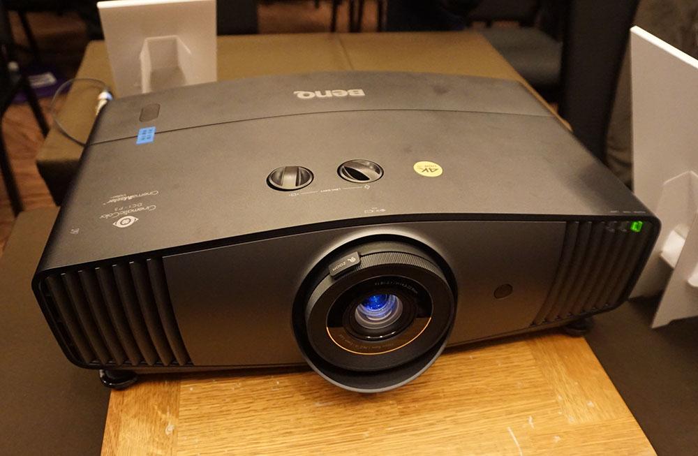 画像: 参考展示された上位モデルの「HT5550」。今年春以降にリリースされる見込み