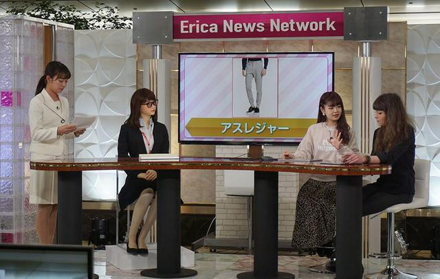 画像: アオイエリカ嬢(左から2番目)とゲストのリアルタイムトークも行なわれた