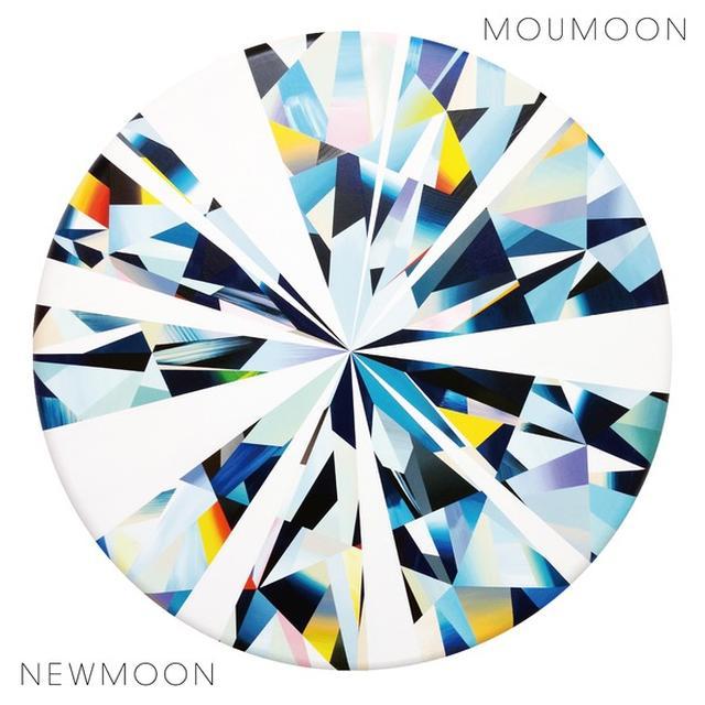 画像: NEWMOON / moumoon