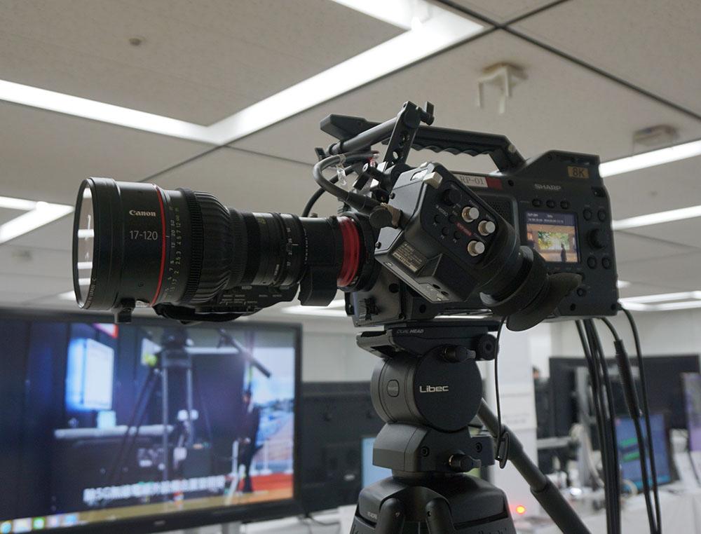 画像: 5Gによる8K伝送実験で使われたカメラも展示されていた