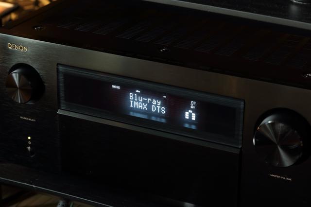 画像: ▲IMAX Enhancedモードの再生時には「IMAX DTS」の表示がされる。今回は強制的にDTSの音声で試したが、IMAX Enhanced仕様のディスクを再生すると、自動でこのモードに切り替わる