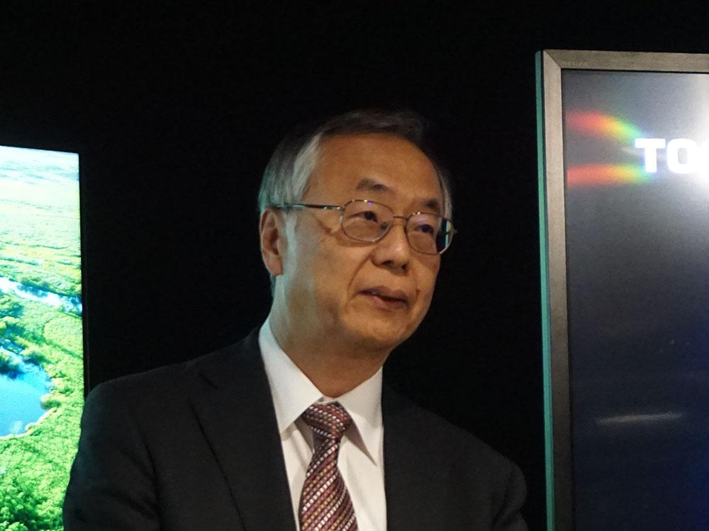 画像: 東芝映像ソリューションの取締役副社長R&Dセンター長の安木成次郎氏が今年のコンセプトを解説してくれた