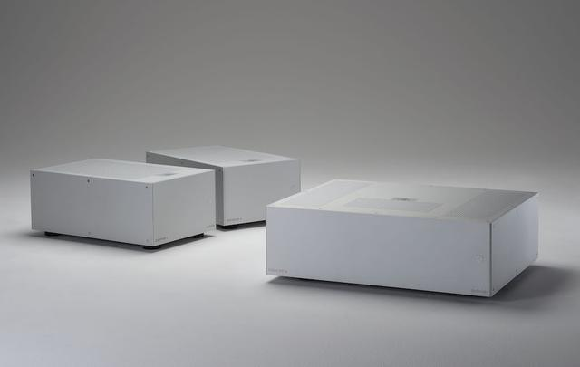 画像: POWER AMPLIFIER audiolab 8300MB(左)、8300XP(右)
