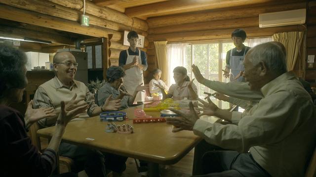 画像1: 【コレミヨ映画館vol.23】『老人ファーム』 新人兄弟チームによる意欲みなぎる人生ドラマ。居場所を無くし、下降してゆくリアルな青春!
