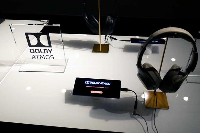 画像: ドルビーアトモス再生(ヘッドホン/イヤホン使用時)にも対応。モードは4種類あり、ダイナミック、ムービーモードについてはソニーピクチャーズエンタテインメントとの協業を行ない、オリジナルのチューニングを施しているという。ちなみにドルビービジョンには非対応