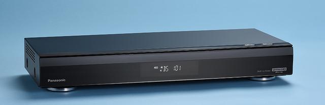 画像: ↑2月号で詳細をレビューしたパナソニックの4Kチューナー内蔵レコーダー。UHDブルーレイの再生にも対応するので、システム更新にうってつけの1台と言える