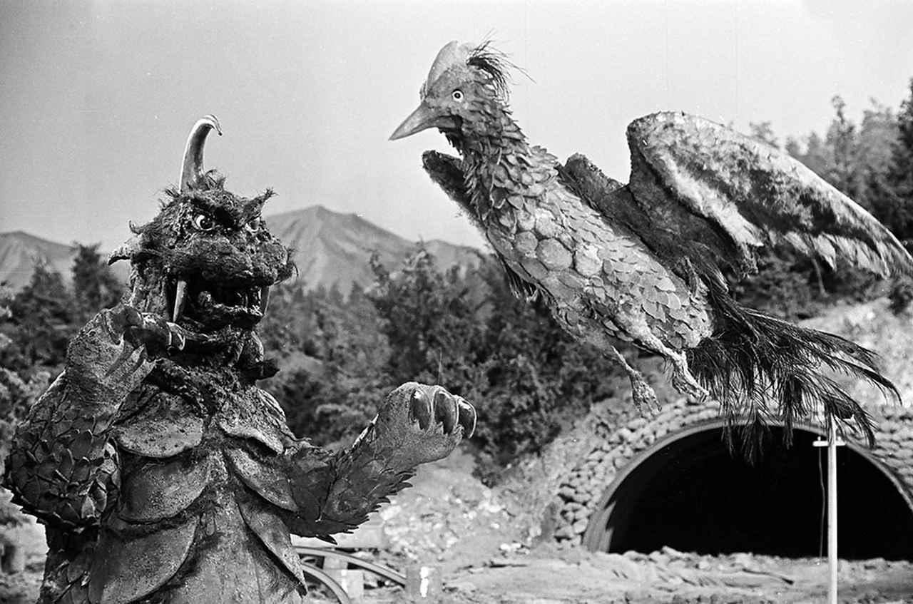 画像: 第1話「ゴメスを倒せ!」より ©TSUBURAYA PRODUCTIONS CO., LTD.